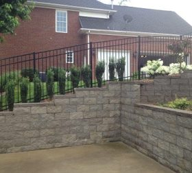 Aluminum sloped fence