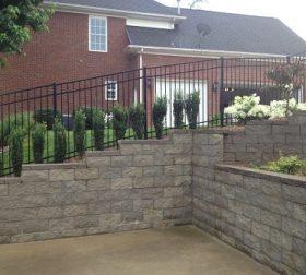 Aluminum sloped fence