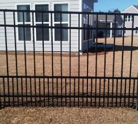 Aluminum fence with puppy picket