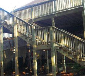 Multi-level wood railing